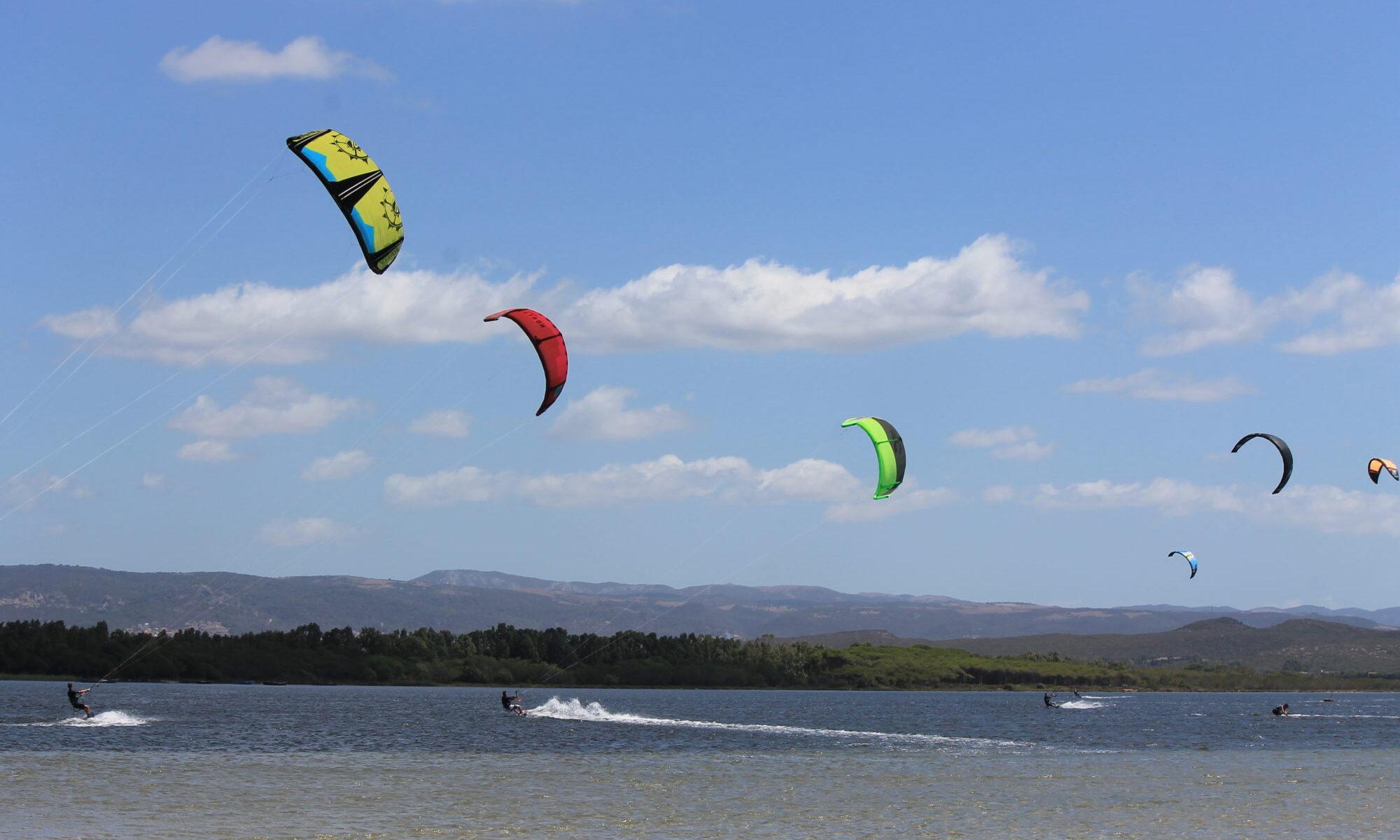 Regole, avvisi, consigli per fare kitesurf a Punta Trettu in Sardegna