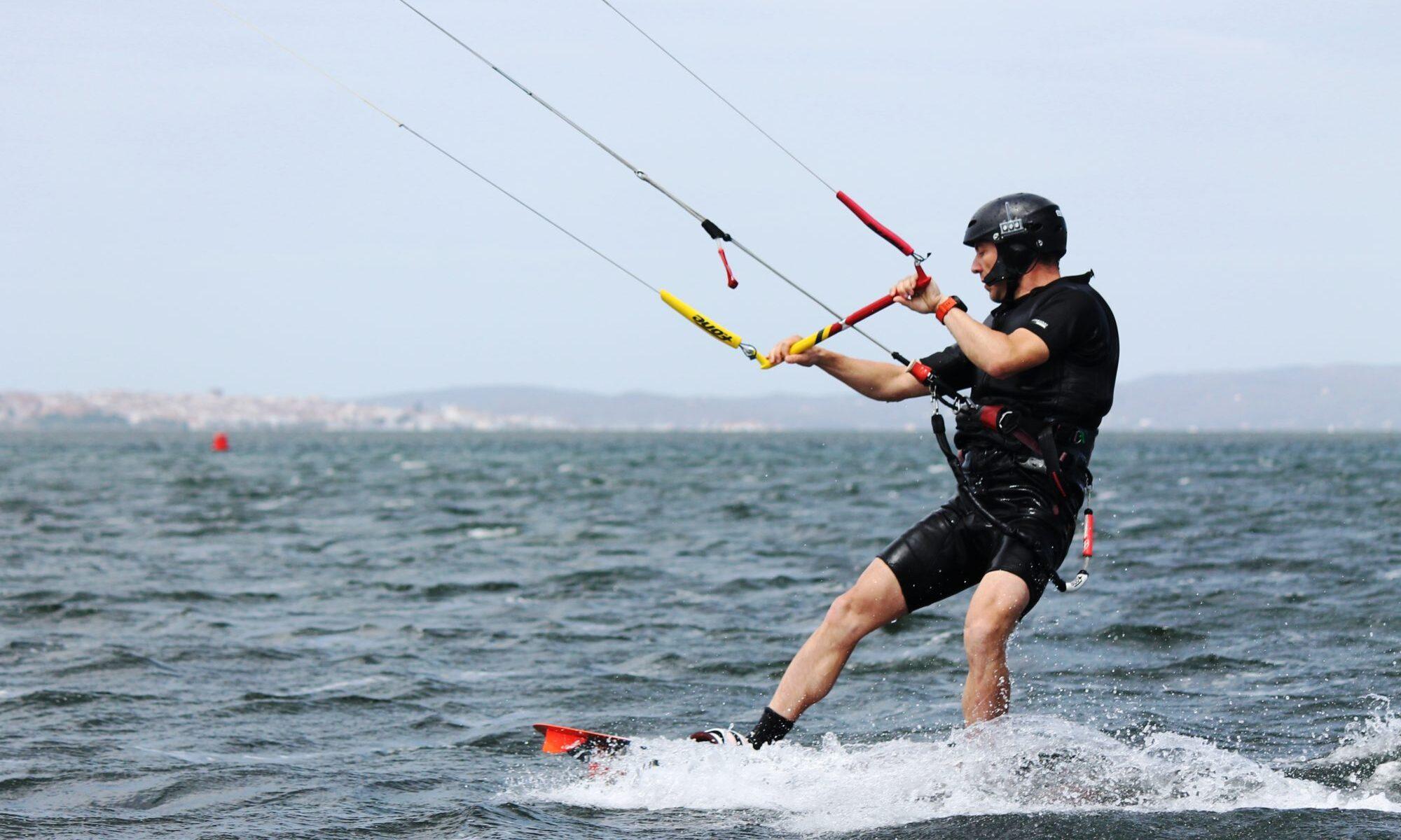 Punta Trettu, il posto perfetto per imparare il kitesurf