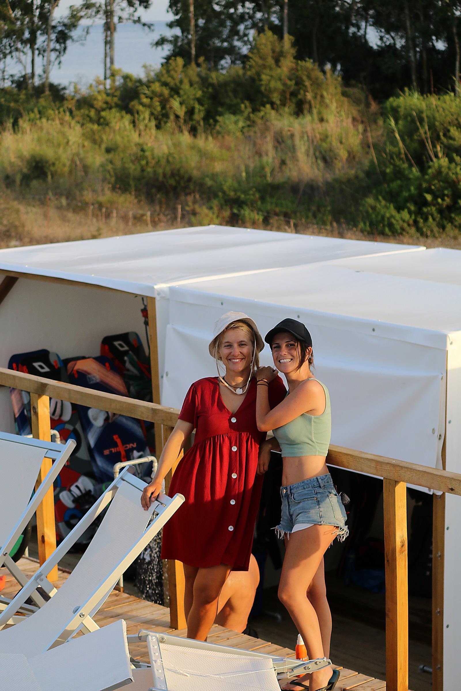Foto ricordo alla scuola kite Punta Trettu Kite Center Sardegna