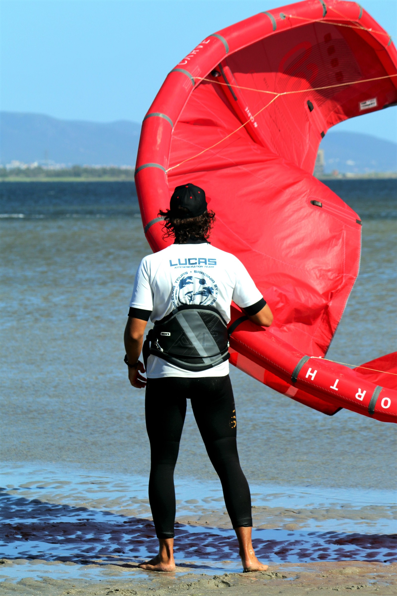 Lucas Rey, istruttore kitesurf a Punta Trettu in Sardegna