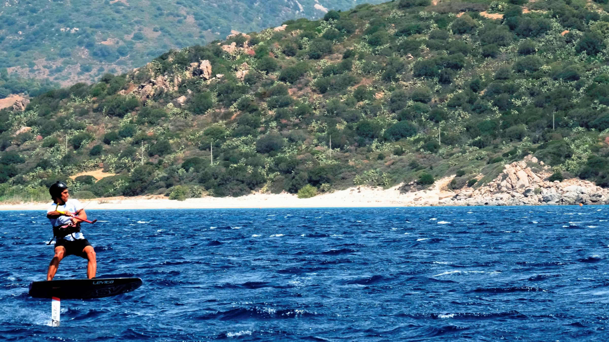 Kite Foil Lessons in Sardinia Punta Trettu